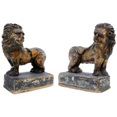 Pair of Early 18th Century English Giltwood Lions