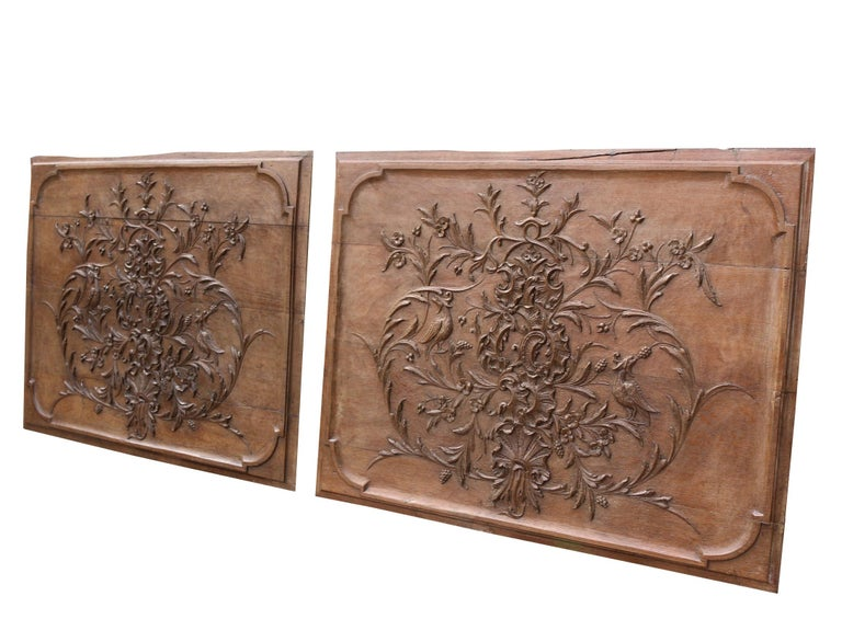 English Pair of Early 19th Century Carved Oak Wall Panels For Sale