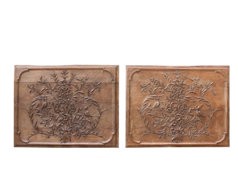 Pair of Early 19th Century Carved Oak Wall Panels In Fair Condition For Sale In Wormelow, Herefordshire