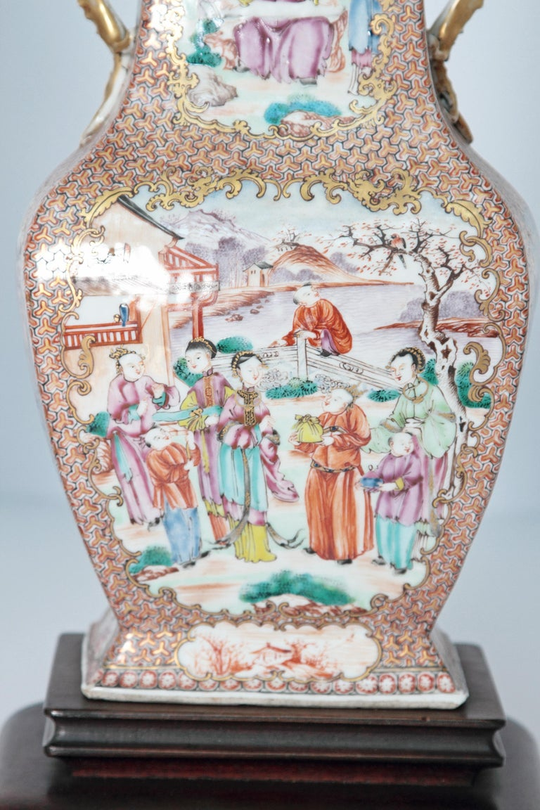 Pair of Early 19th Century Chinese Export Rose Mandarin Porcelain Jars as Lamps In Good Condition For Sale In Dallas, TX