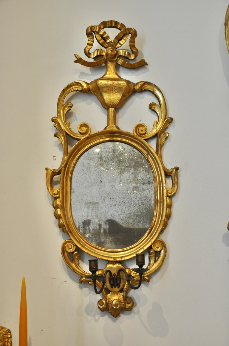 Pair of Early 19th Century Continental Neoclassical Giltwood Sconce Mirrors In Good Condition For Sale In Essex, MA