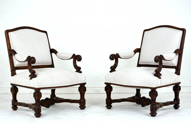 Carved Pair of Early 19th Century French Louis XVI-Style Armchairs For Sale