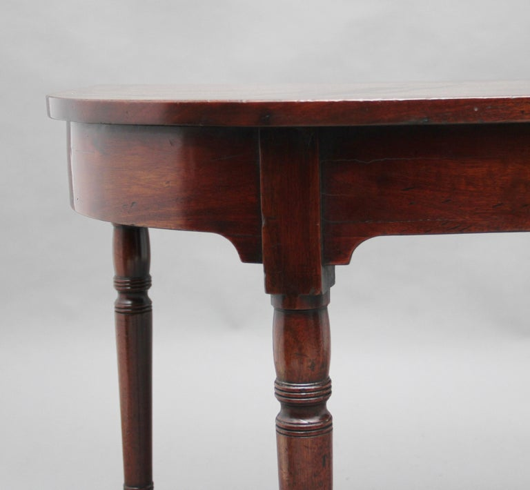 Pair of Early 19th Century Mahogany Console Tables For Sale 4