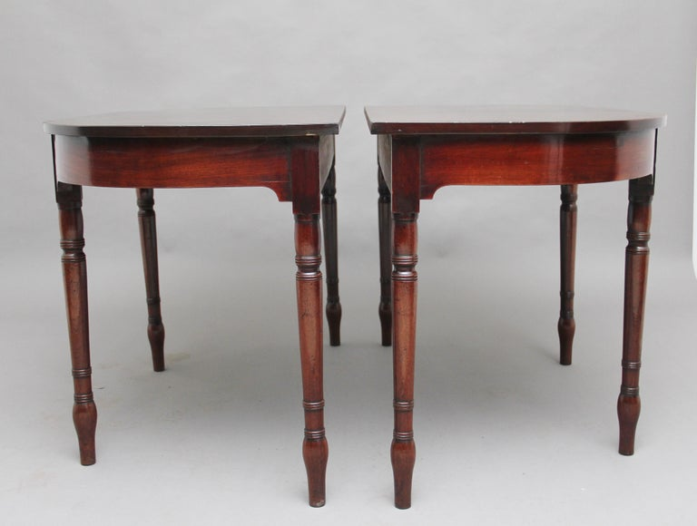 Regency Pair of Early 19th Century Mahogany Console Tables For Sale