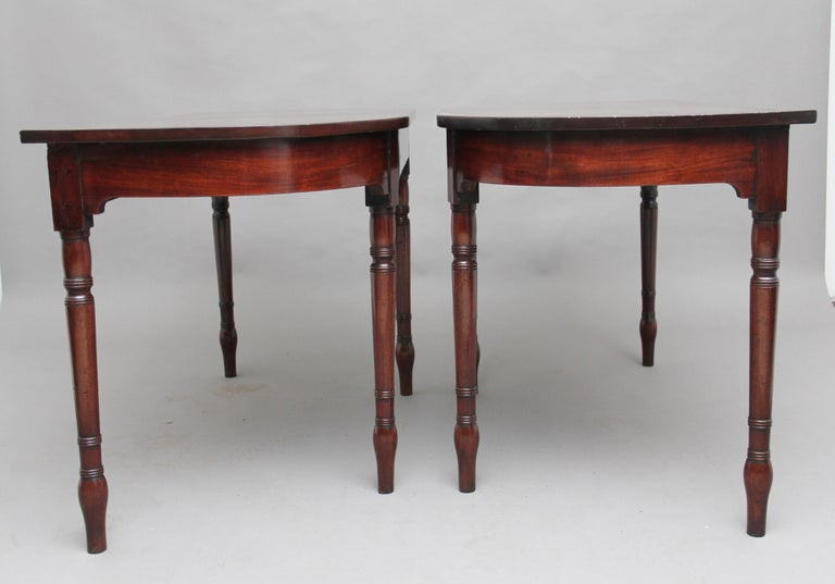Pair of Early 19th Century Mahogany Console Tables In Good Condition For Sale In Martlesham, GB