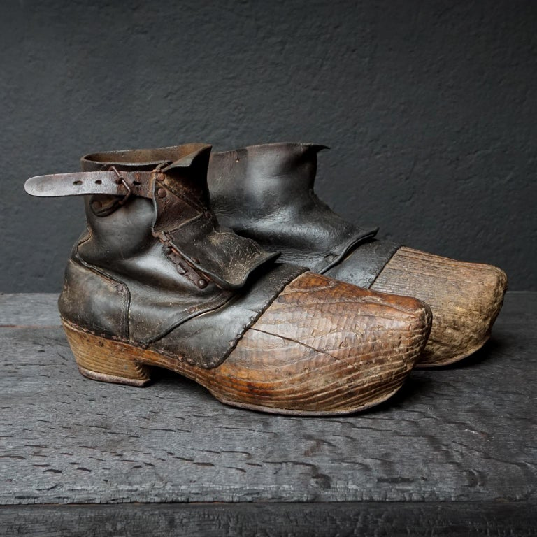 Pair Of Early 20th Century Wood And Leather Clogs Or Sabots Bois