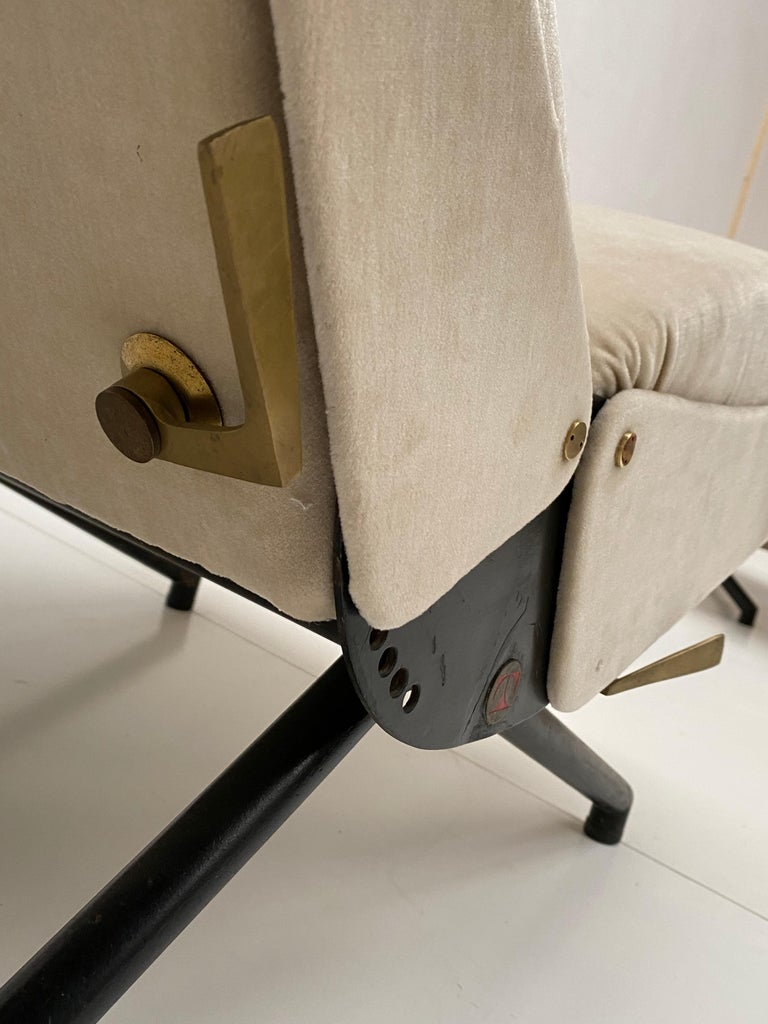 Pair of Early 1st Edition P40 Chairs, Osvaldo Borsani, Tecno Italy 1956 Restored For Sale 3
