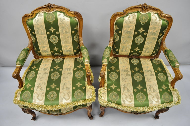 Pair of French Louis XV Style Cream Gold Walnut Fauteuil Armchairs In Good Condition For Sale In Philadelphia, PA