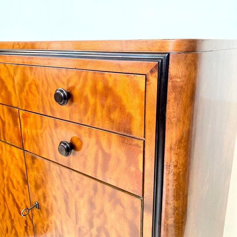 Pair of early 20th Century Art Deco Dresser Chest of Drawers in Mahogany For Sale 4
