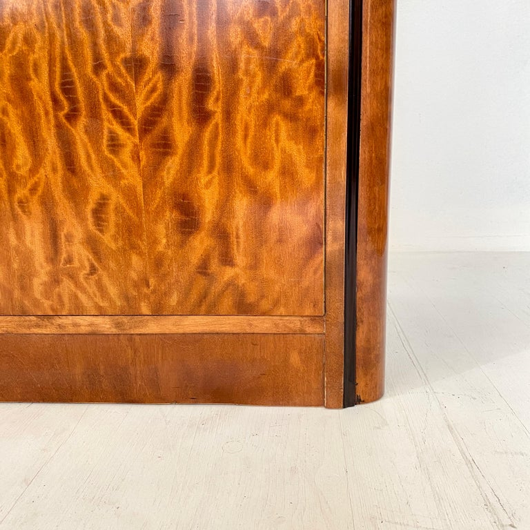 Pair of early 20th Century Art Deco Dresser Chest of Drawers in Mahogany For Sale 6
