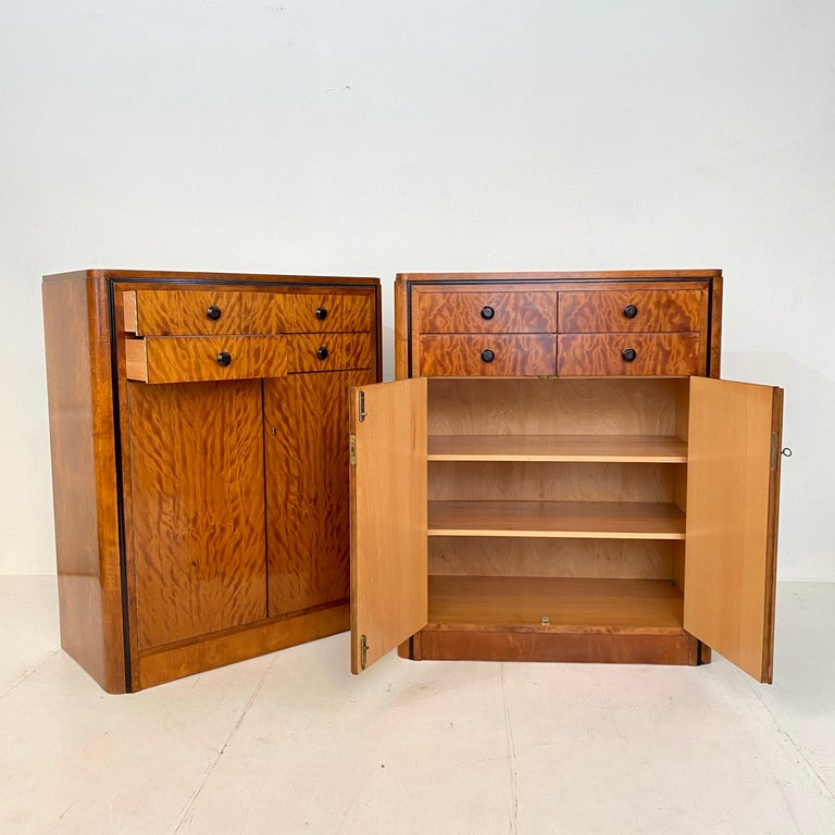 Veneer Pair of early 20th Century Art Deco Dresser Chest of Drawers in Mahogany For Sale