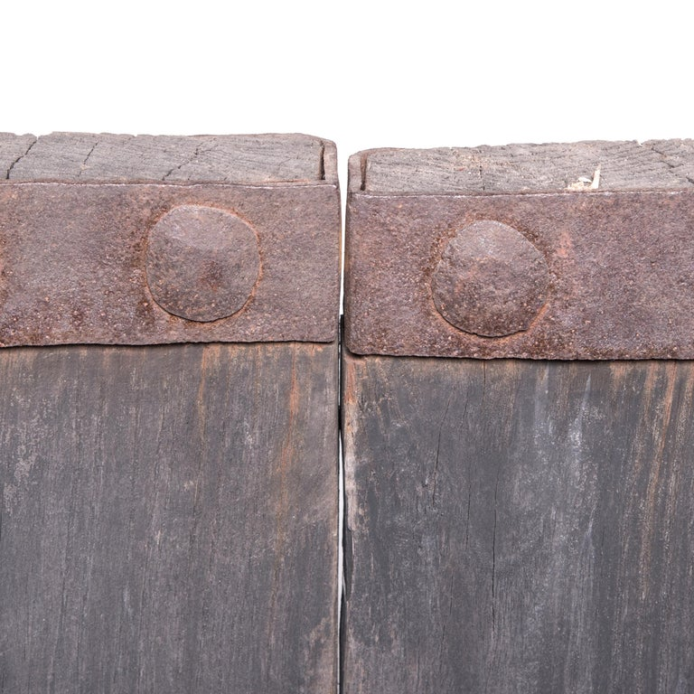 Pair of Early 20th Century Chinese Courtyard Doors For Sale 5