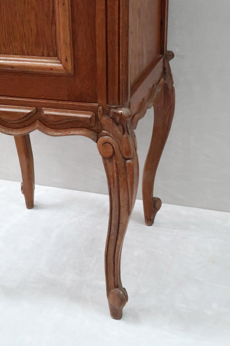Pair of Early 20th Century Continental Oak Bedside Cabinets with Marble Tops For Sale 4