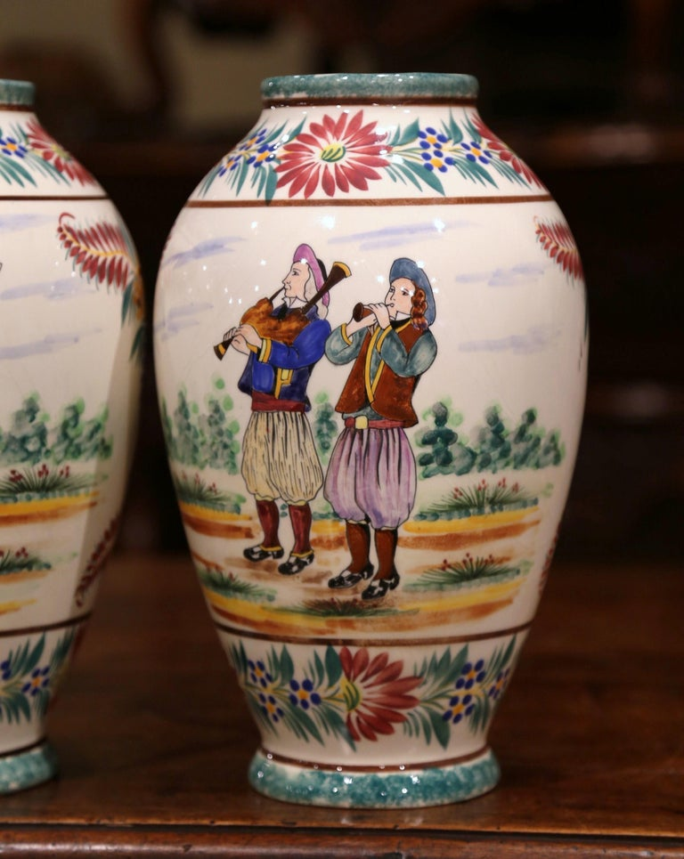 Pair of Early 20th Century French Hand Painted Vases Signed HB Quimper In Excellent Condition For Sale In Dallas, TX