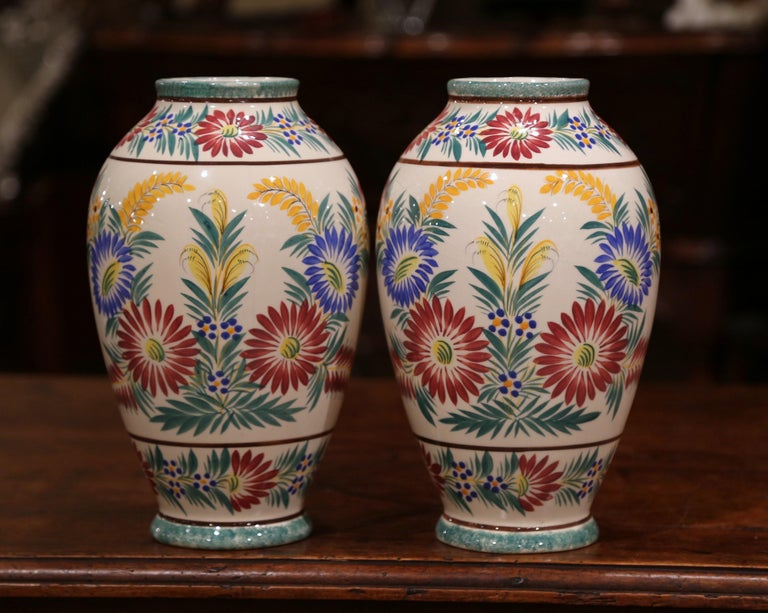 Pair of Early 20th Century French Hand Painted Vases Signed HB Quimper For Sale 1