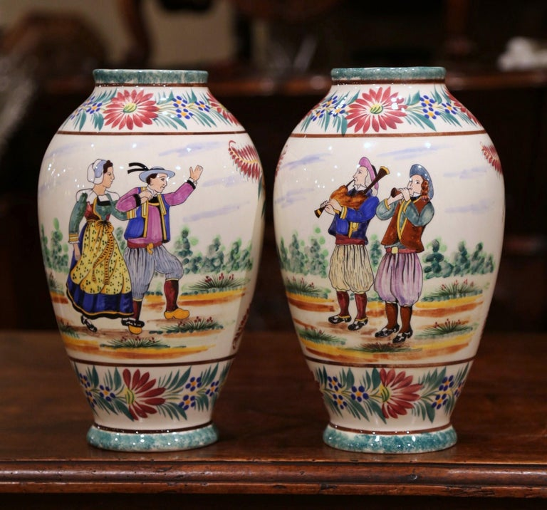 Pair of Early 20th Century French Hand Painted Vases Signed HB Quimper For Sale 2
