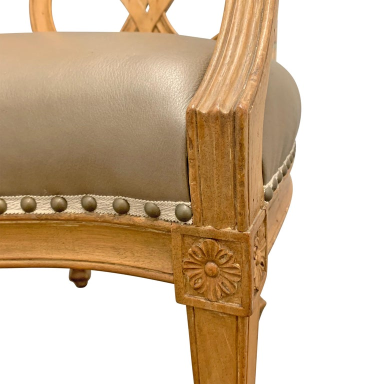 Pair of Early 20th Century Italian Armchairs For Sale 2