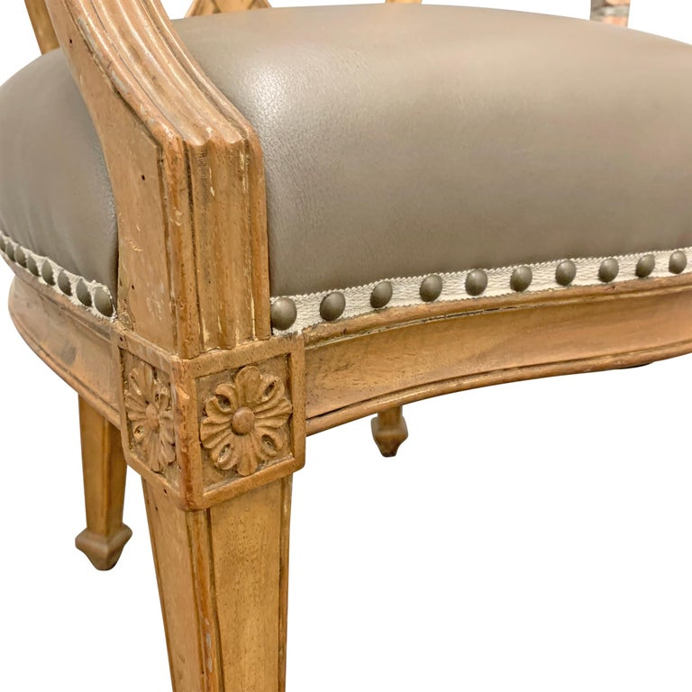 Pair of Early 20th Century Italian Armchairs For Sale 3