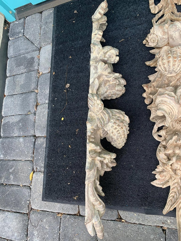 Pair of Early 20th Century Italian Palladio Hand Carved Wooden Wall Appliques For Sale 5