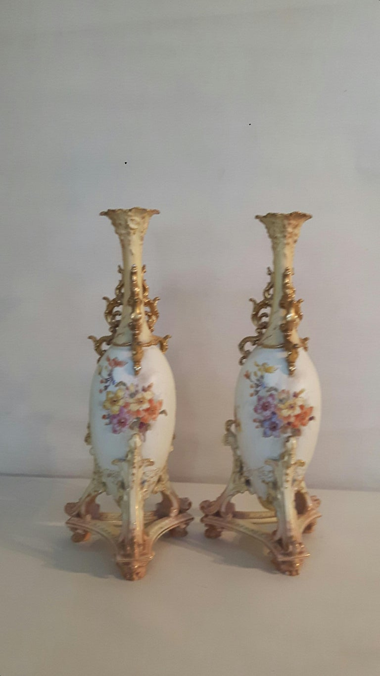 Neoclassical Pair of Early 20th Century Rudolfstadt Vases For Sale