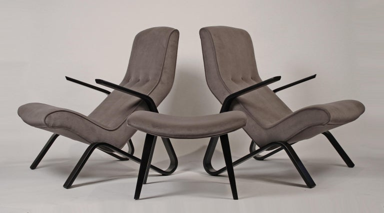 This is an early pair of Eero Saarinen designed grasshopper chairs produced by Knoll in the 1950s. One of these chairs belonged to an Architect who was employed at Eero Saarinen and Associates, so they chair could actually have been sat in by