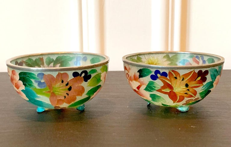 Japonisme Pair of Early Japanese Plique-a-Jour Bowls from Nagoya For Sale