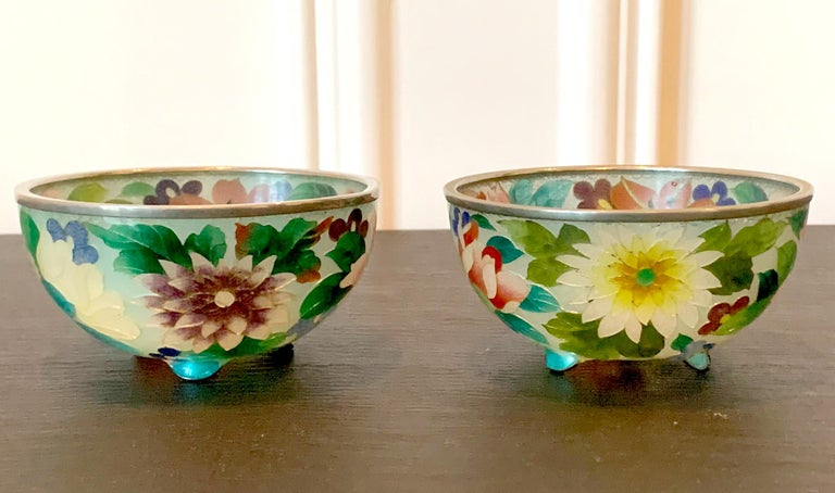 Pair of Early Japanese Plique-a-Jour Bowls from Nagoya In Good Condition For Sale In Atlanta, GA
