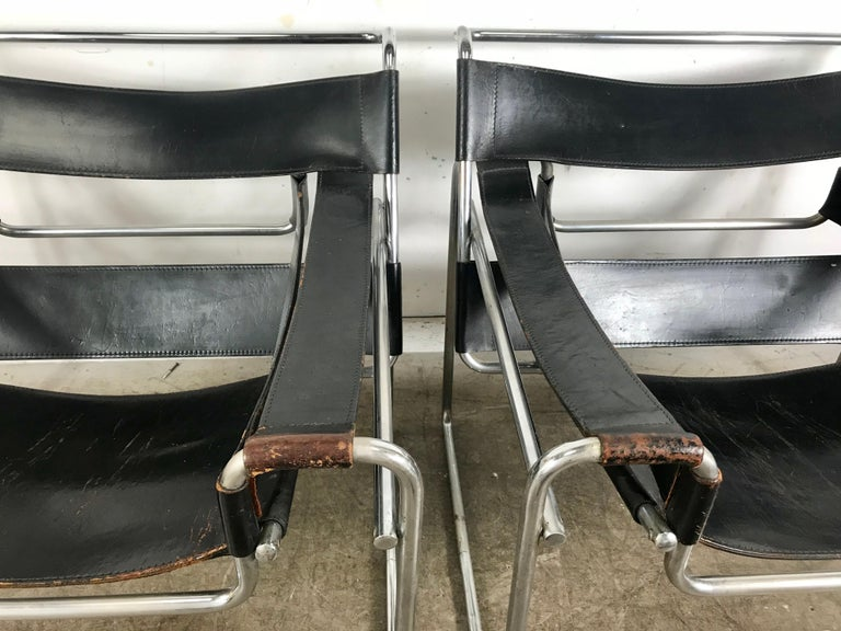 Bauhaus Pair of Early Wassily Chairs by Marcel Breuer for Knoll, Leather and Chrome For Sale