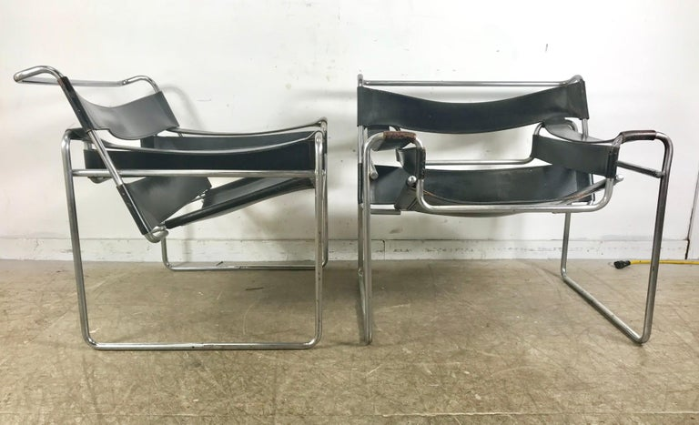 Plated Pair of Early Wassily Chairs by Marcel Breuer for Knoll, Leather and Chrome For Sale