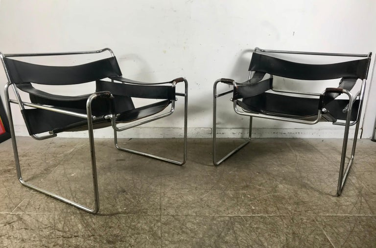 Pair of Early Wassily Chairs by Marcel Breuer for Knoll, Leather and Chrome In Good Condition For Sale In Buffalo, NY