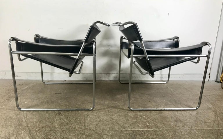 Mid-20th Century Pair of Early Wassily Chairs by Marcel Breuer for Knoll, Leather and Chrome For Sale