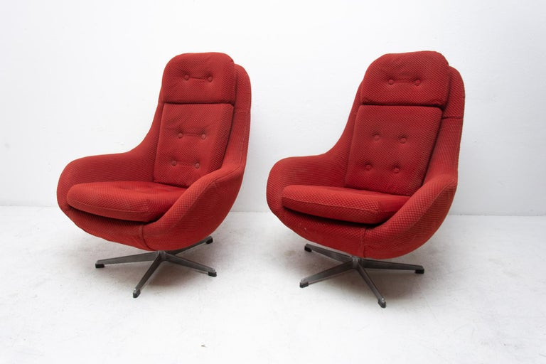 """A pair of very comfortable """"Eggs"""" swivel armchairs, made in the former Czechoslovakia in the 1970s. Upholstery is in Very good original condition, bears slights signs of age and using.  Price is for the pair  Measure: Height 103 cm  Width 81"""