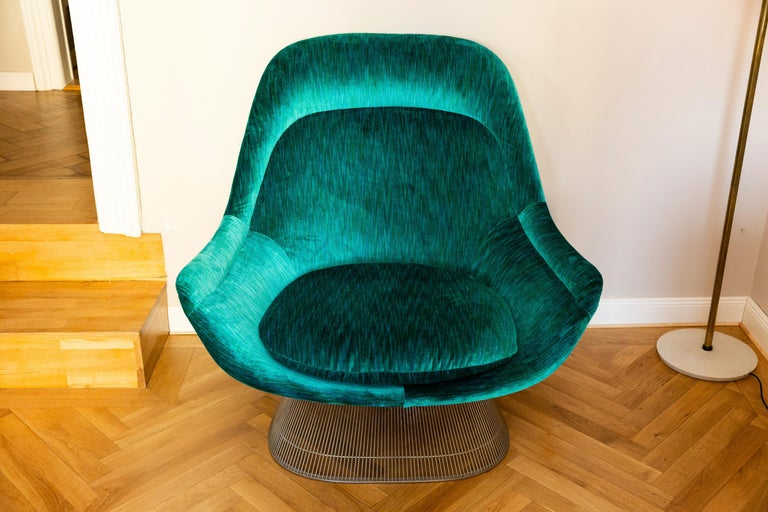 Plated Pair of Easy Chairs by Warren Platner for Knoll, circa 1970 For Sale