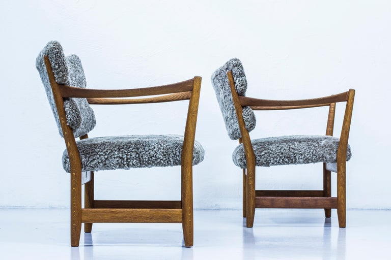 Mid-20th Century Pair of Easy Chairs with Sheepskin by Fredrik Kayser & Adolf Relling, Norway For Sale