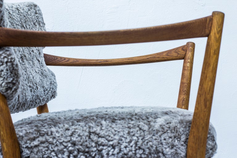 Pair of Easy Chairs with Sheepskin by Fredrik Kayser & Adolf Relling, Norway For Sale 1