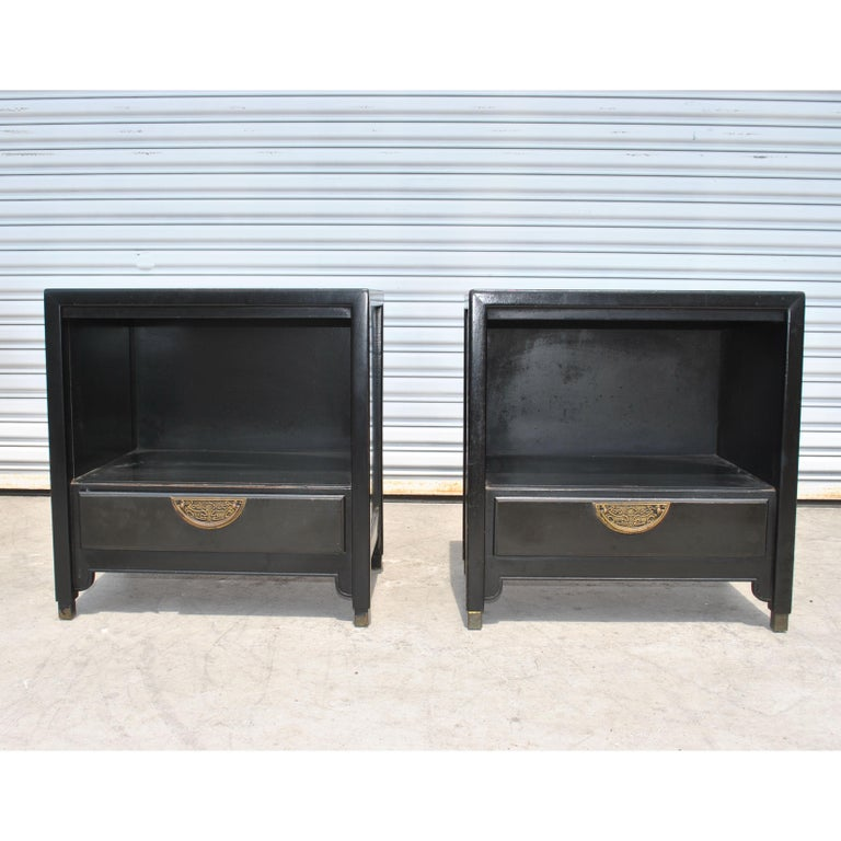 American Pair of Ebonized Chin Hua Mid-Century Nightstands by Century For Sale