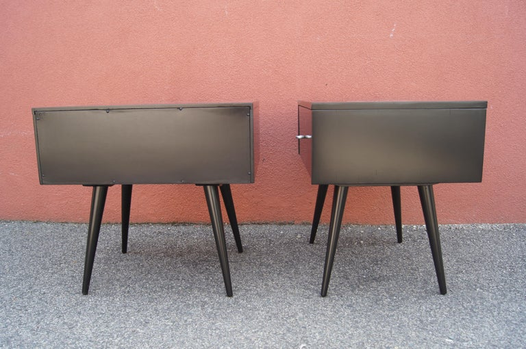 Mid-20th Century Pair of Ebonized Planner Group Side Tables by Paul McCobb for Winchendon For Sale