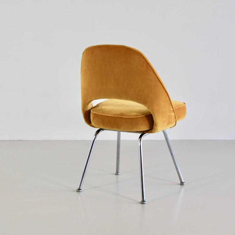 American Pair of Eero Saarinen Conference Chairs, Knoll International For Sale