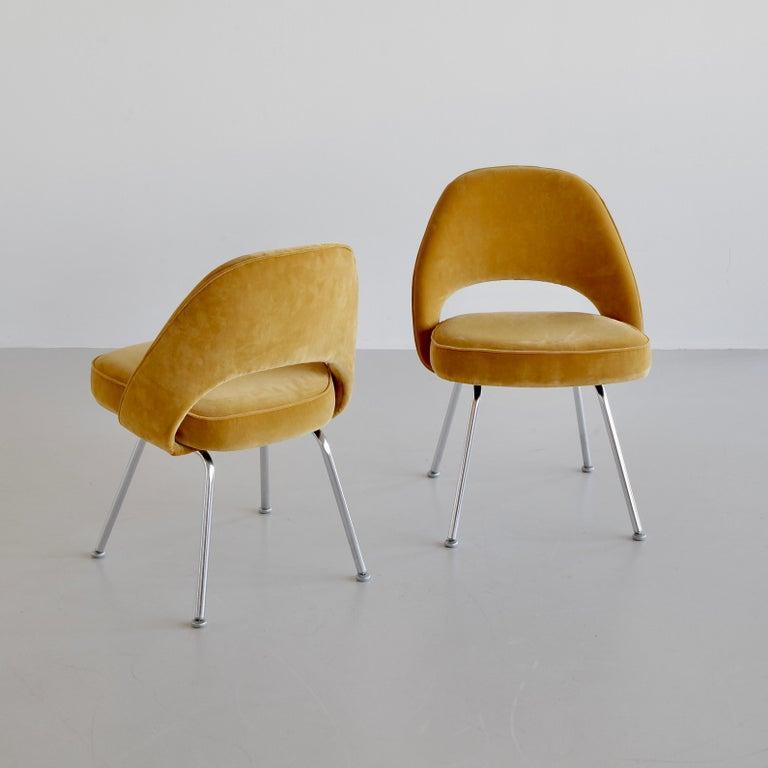 Metal Pair of Eero Saarinen Conference Chairs, Knoll International For Sale