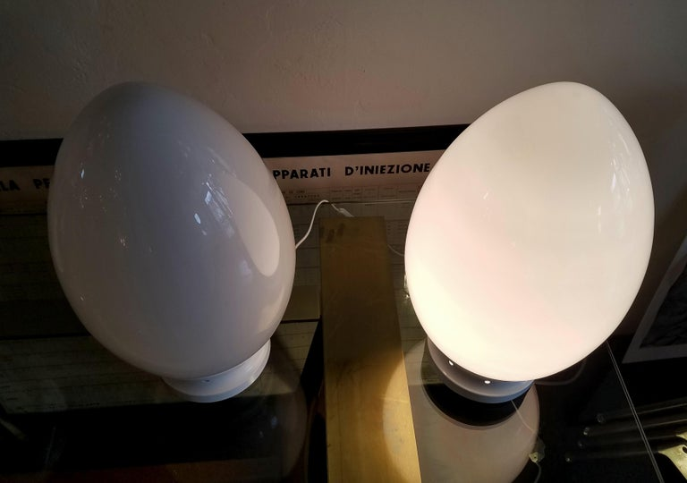 European Pair of Egg Table Lamps by Fontana Arte For Sale