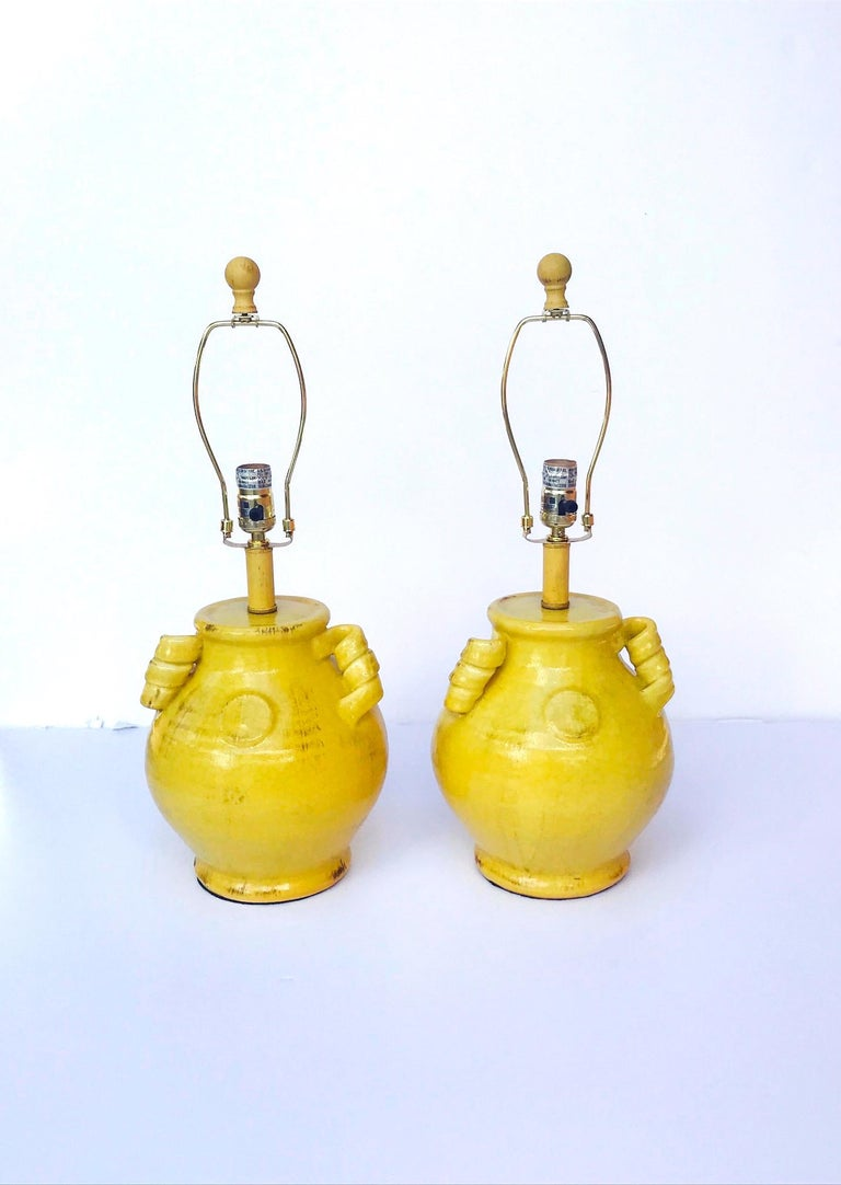 Pair of Elegant Chinese Pottery Lamps in Antique Yellow Glaze For Sale 4