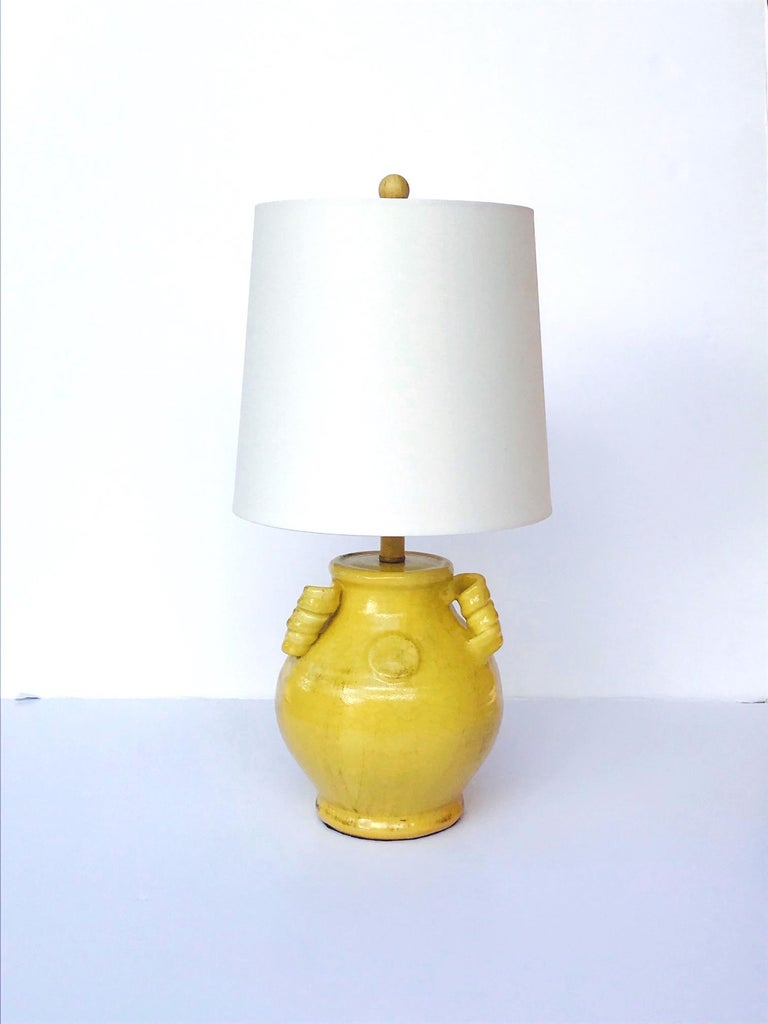 Chinoiserie Pair of Elegant Chinese Pottery Lamps in Antique Yellow Glaze For Sale