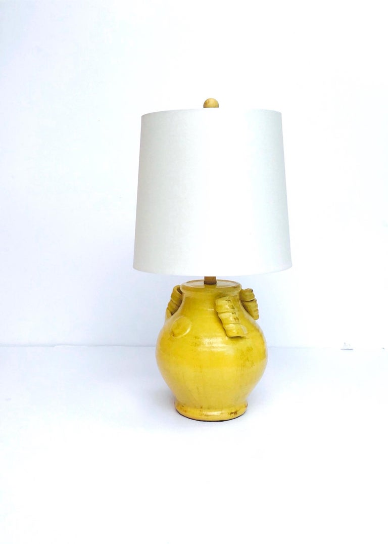 Pair of Elegant Chinese Pottery Lamps in Antique Yellow Glaze In Excellent Condition For Sale In Miami, FL
