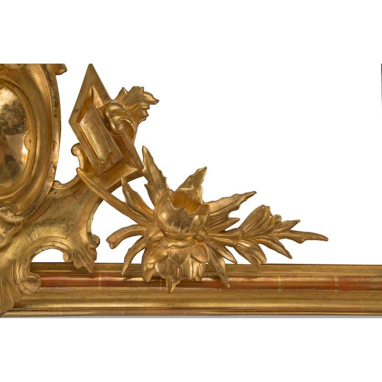 Pair of Elegant Italian 19th Century Horizontal Giltwood Mirrors For Sale 1