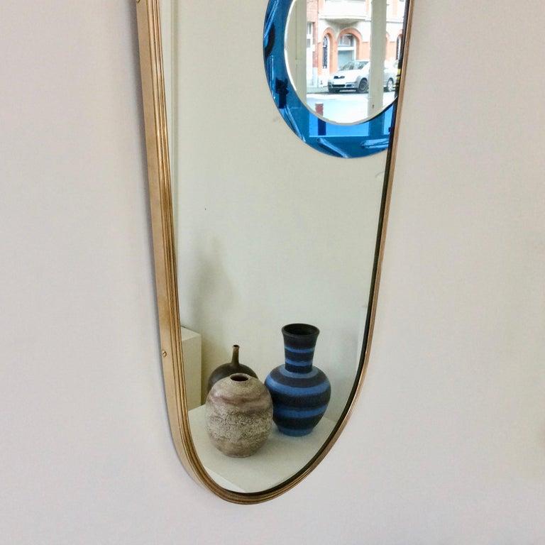 Mid-20th Century Pair of Elegant Italian Brass Wall Mirrors, circa 1950 For Sale