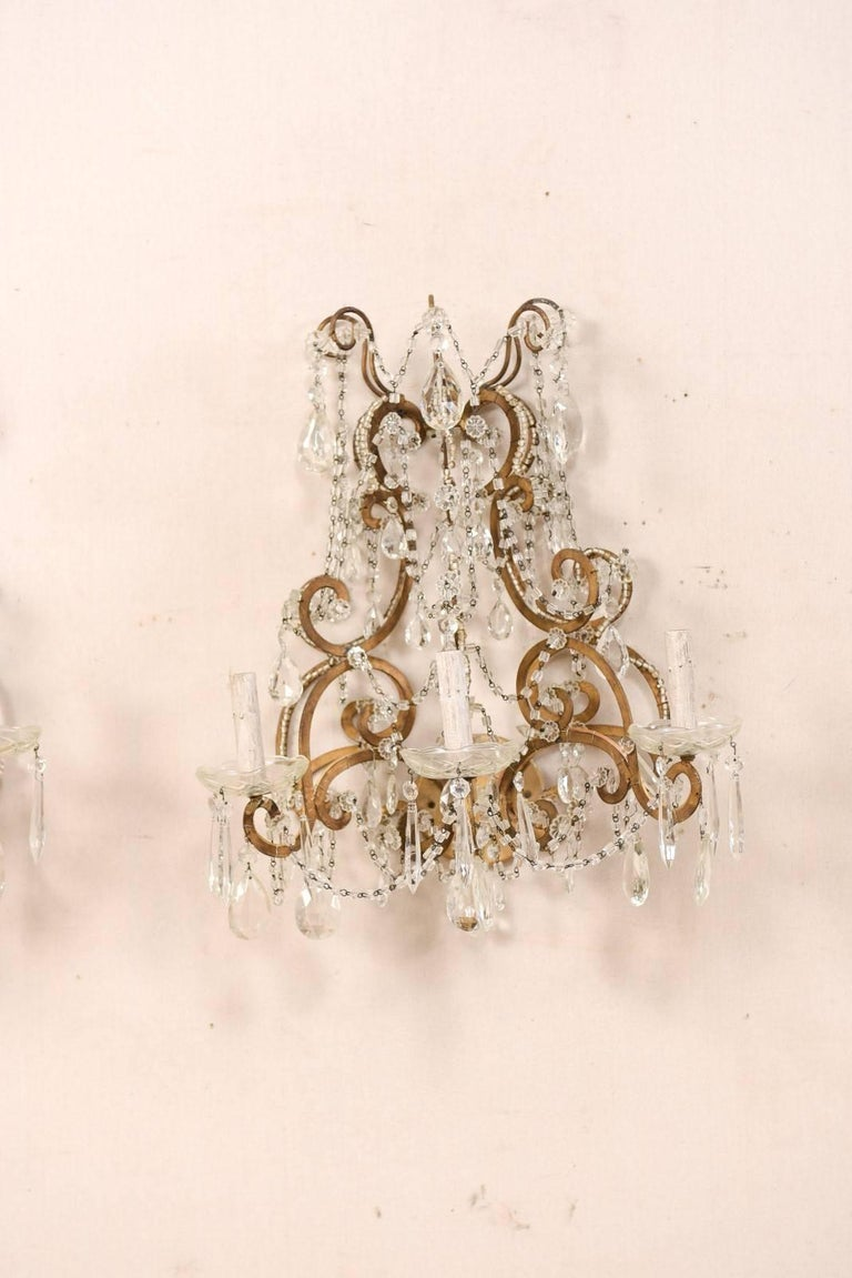 Pair of Elegant Italian Crystal and Gilded Metal Sconces, Mid-20th Century In Good Condition For Sale In Atlanta, GA