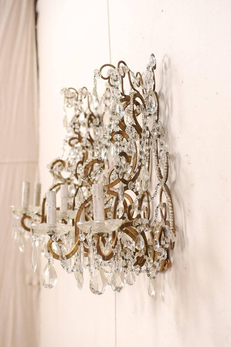 Pair of Elegant Italian Crystal and Gilded Metal Sconces, Mid-20th Century For Sale 1