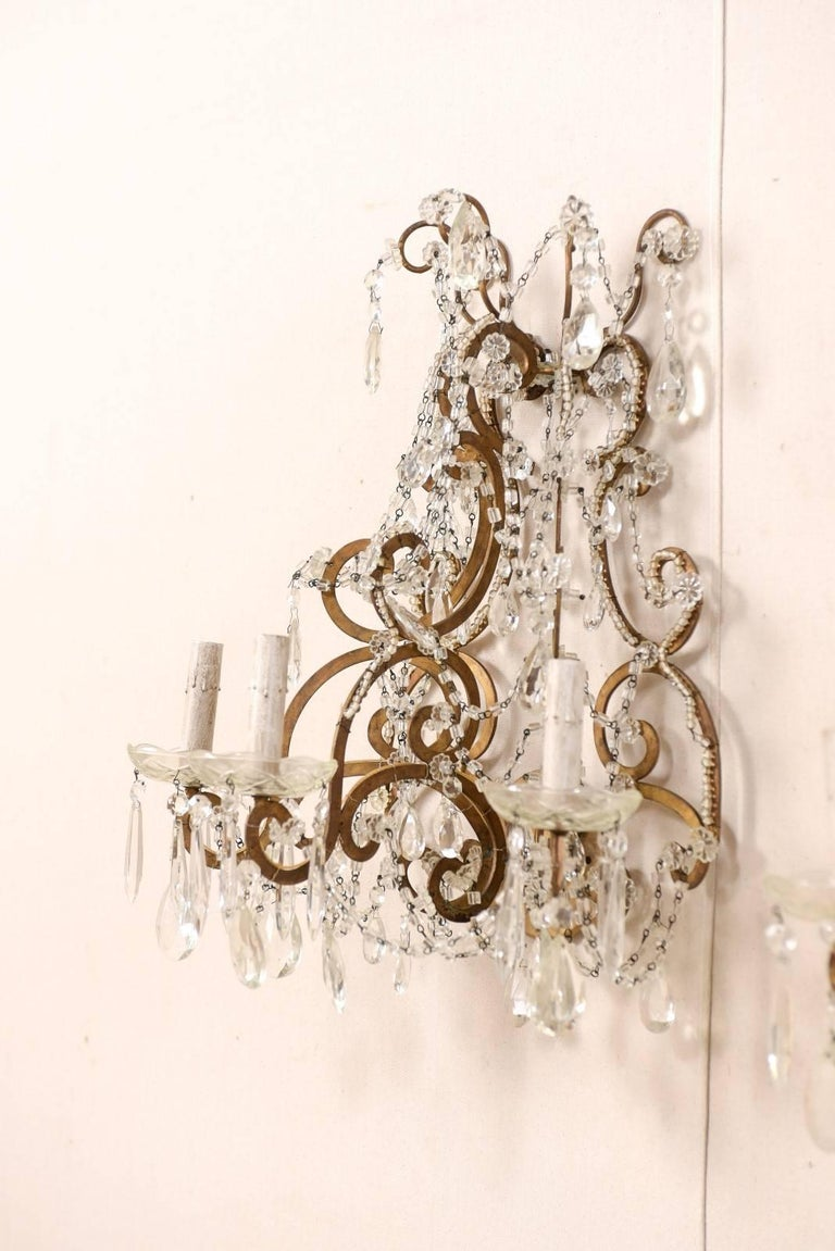 Pair of Elegant Italian Crystal and Gilded Metal Sconces, Mid-20th Century For Sale 2
