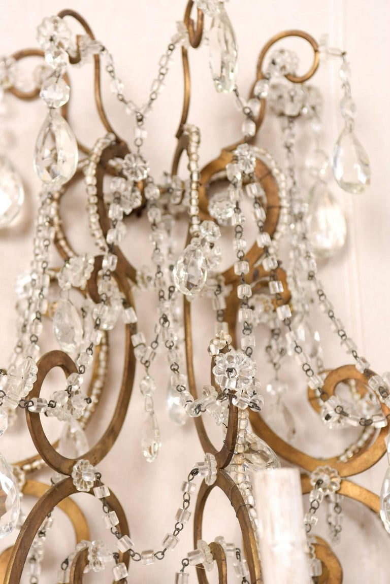 Pair of Elegant Italian Crystal and Gilded Metal Sconces, Mid-20th Century For Sale 4