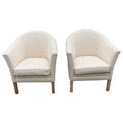 Pair of Elegant Lounge Chairs by Mogens Hansen, Called the Queen Chair MH80